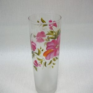 Гравированная ваза с цветком